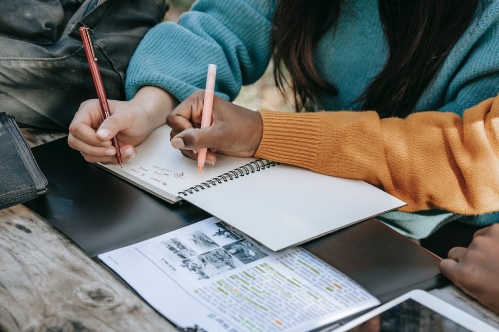 Cheap Essay Writings Help for College Students